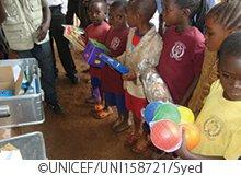 支援ギフト_箱の中の幼稚園